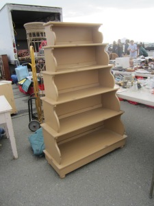 This tiered shelf would be much improved in a brighter paint, don't you agree?